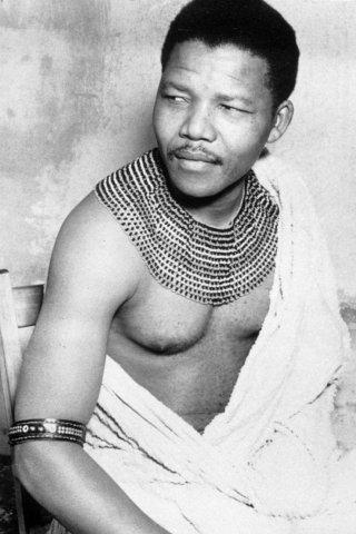 Nelson Mandela Height – Weight