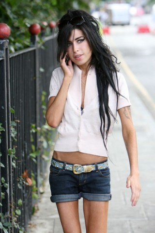 Amy Winehouse height and weight