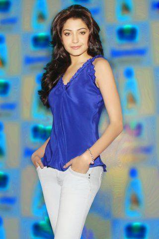 Anushka Sharma height and weight