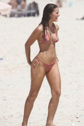Bruna Marquezine height and weight 2017
