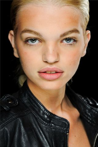Daphne Groeneveld height and weight