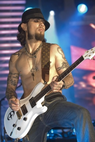 Dave Navarro height and weight