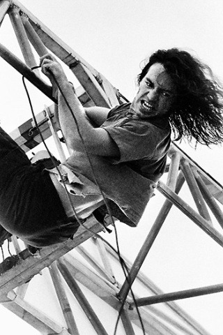 Eddie Vedder height and weight