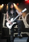 Jake Pitts height and weight