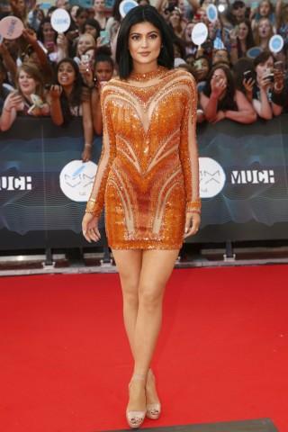 Kylie Jenner Height - Weight