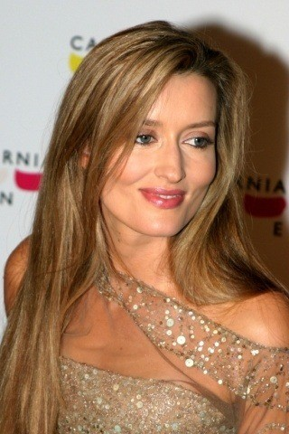 Natascha McElhone height and weight