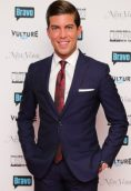 Luis D. Ortiz height and weight
