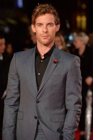 Luke Treadaway height and weight