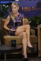 julie-bowen-height-weight-measurements