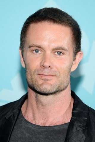 Garret Dillahunt height and weight