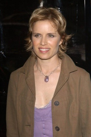 Kim Dickens height and weight