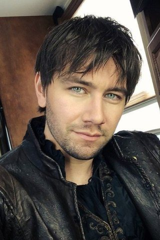 Torrance Coombs height and weight