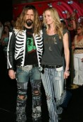 Sheri Moon Zombie height and weight