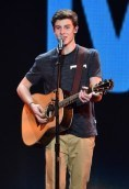 Shawn Mendes height and weight