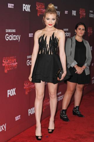 Skyler Samuels height and weight