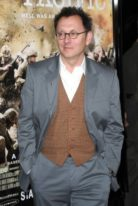 michael-emerson-height-weight-shoe-size