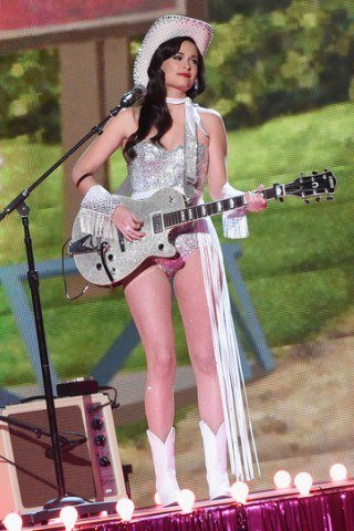 Kacey Musgraves height and weight