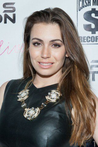 Sophie Simmons height and weight