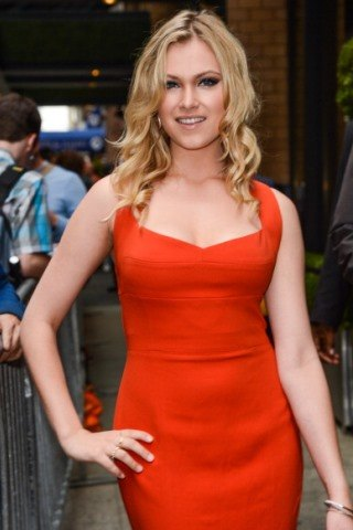 Eliza Taylor height and weight