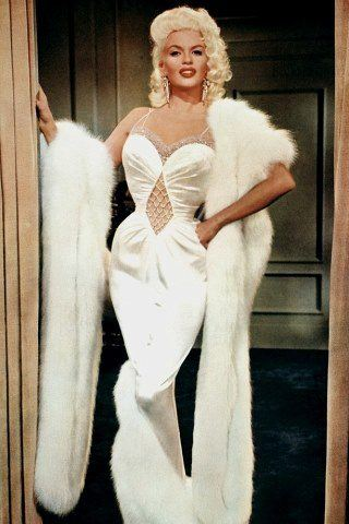 Jayne Mansfield height and weight