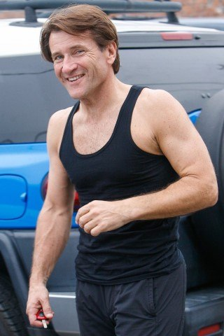 Robert Herjavec height and weight
