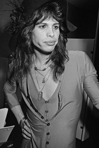 Steven Tyler height and weight