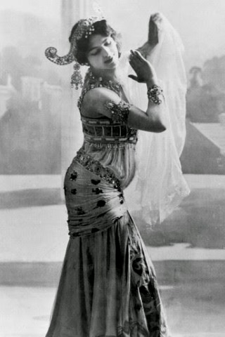 Mata Hari height and weight