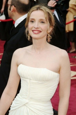 Julie Delpy Height - Weight