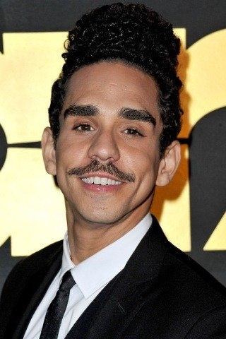 Ray Santiago height and weight
