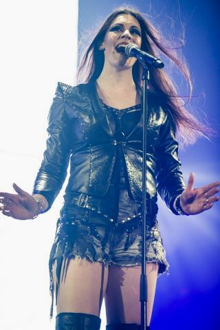 Floor Jansen height and weight