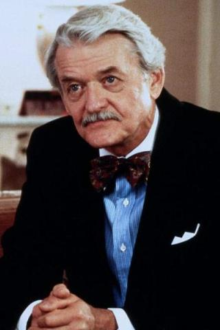 Hal Holbrook height and weight