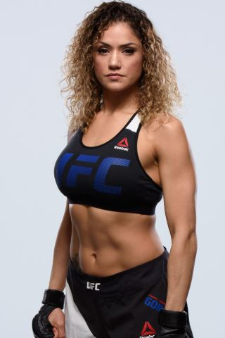 Pearl Gonzalez height and weight