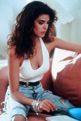 Teri Hatcher height and weight