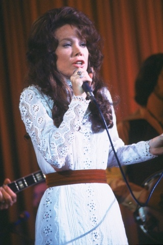 Loretta Lynn Height - Weight
