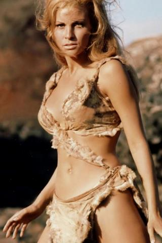 Raquel Welch Height - Weight