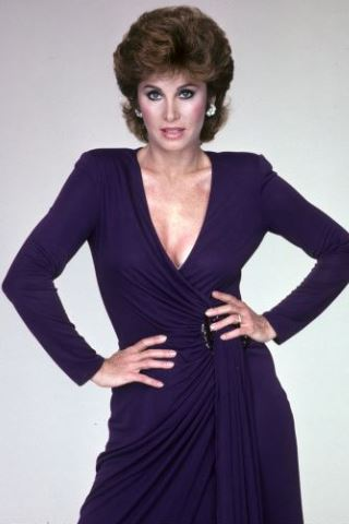 Discover Stephanie Powers Height