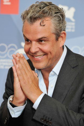 Danny Huston height and weight