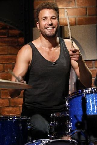 Jon Theodore height and weight