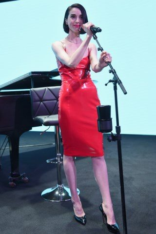 St. Vincent height and weight