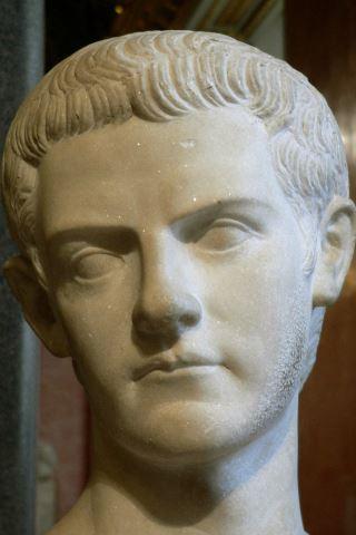 Caligula height and weight