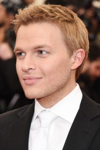 Ronan Farrow height and weight