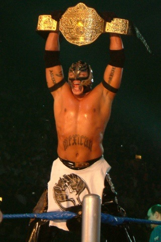 How Tall is Rey Mysterio?