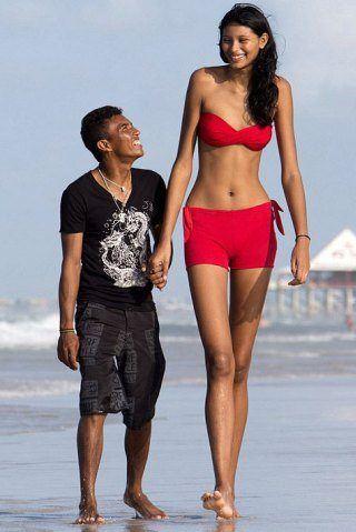 Elisany da Cruz Silva Height: How Tall is Elisany da Cruz Silva?